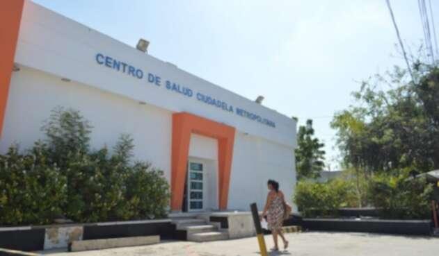 Las directivas adoptaron medidas para la atención en el centro asistencial.