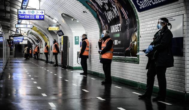 Coronavirus en Francia / metro de París