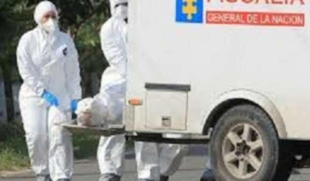 Las autoridades investigan las causas de la muerte de la mujer.