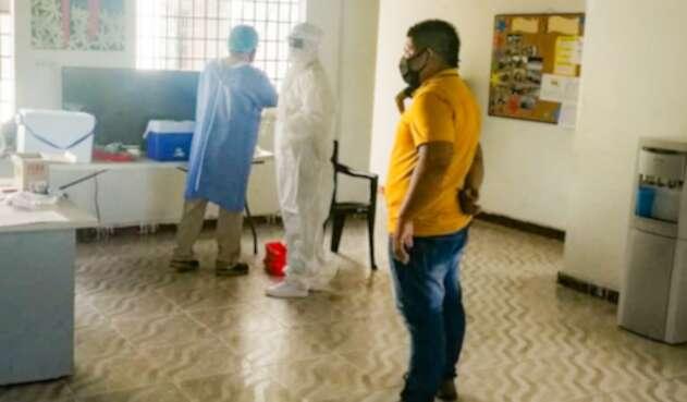 Pruebas preventivas de COVID-19 entre jóvenes del ICBF en Leticia, Amazonas