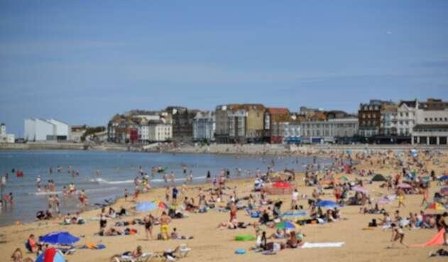 Coronavirus en Reino Unido / regreso a las playas