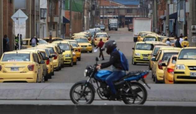 Taxistas en cuarentena / cuarentena en Bogotá