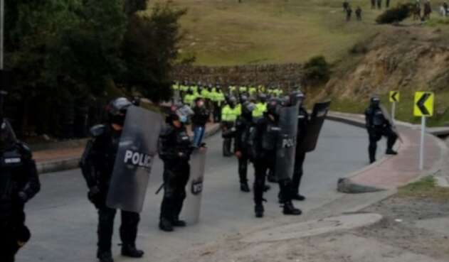 Policía durante enfrentamiento en Ciudad Bolívar