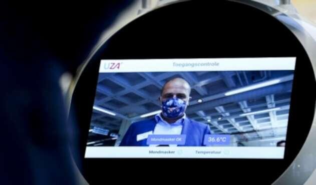 Robot analiza uso de tapabocas