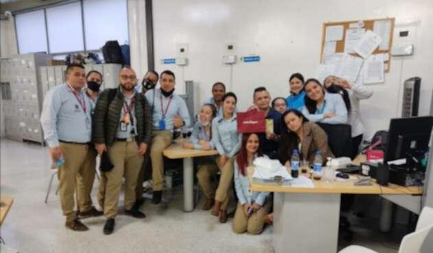 Funcionarios de Movilidad de Bogotá celebrando cumpleaños en la pandemia