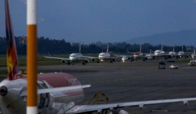Aviones en Colombia / aeropuerto El Dorado