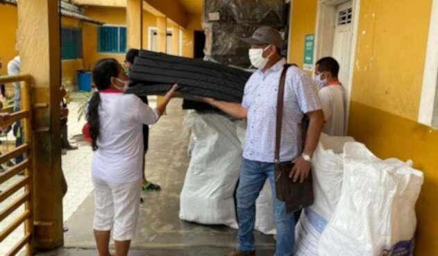 Entrega de ayudas humanitarias en Tarazá, Antioquia