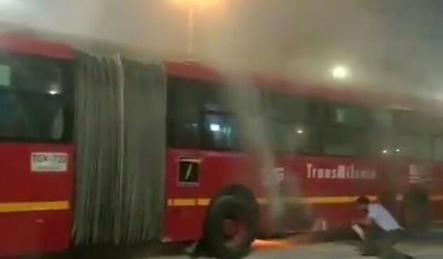 Incendio en bus de Transmilenio