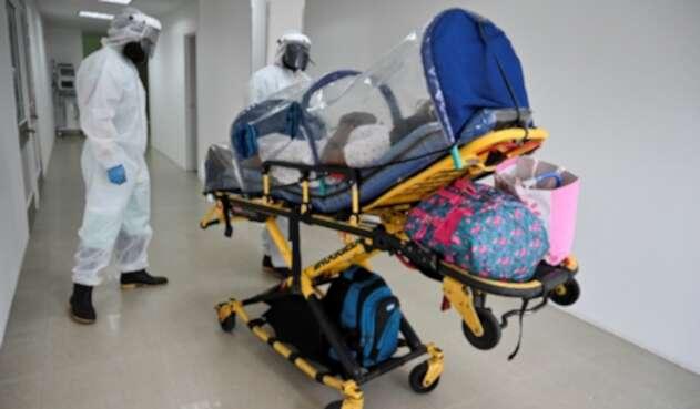 Traslado de pacientes contagiados de coronavirus en Colombia.