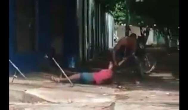 El hombre fue capturado por el delito de violencia intrafamiliar