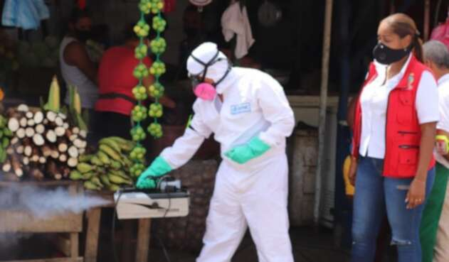 Los desinfectantes pasaron a ser parte del panorama diario de la personas en Colombia