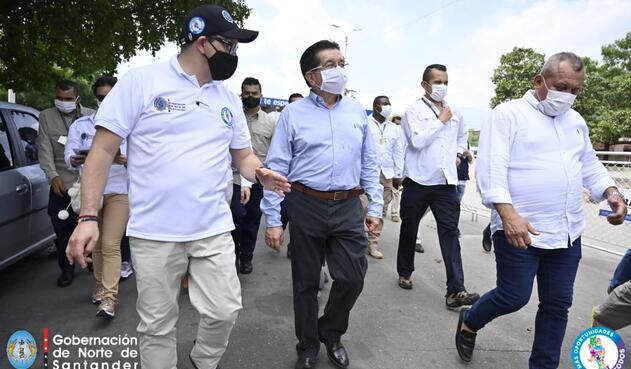 Ministro de Salud en la zona de frontera entre Colombia y Venezuela