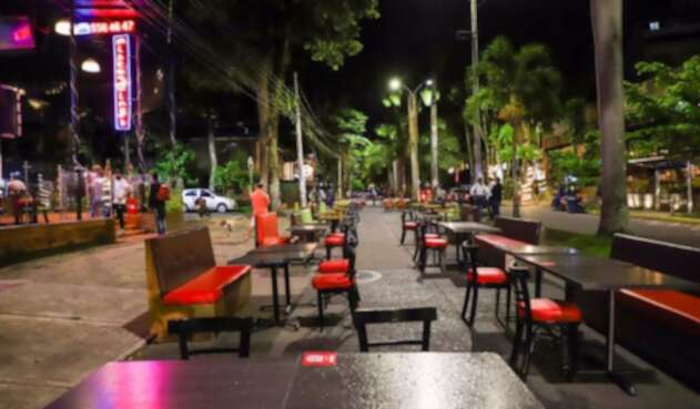 Toque de queda en Cali: Restaurantes podrán seguir funcionando | La FM