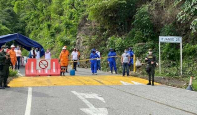 Puntos de control al ingreso de Ituango, Antioquia.