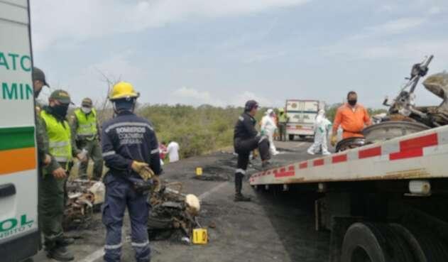 Las autoridades realizaron levantamiento de cadáver y atención primaria de los heridos