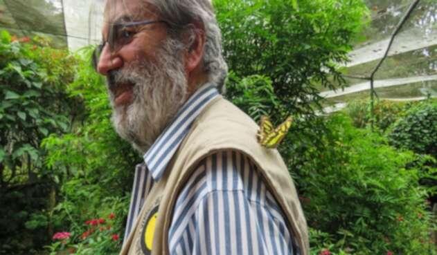 Alberto Gómez tiene un jardín botánico en su casa