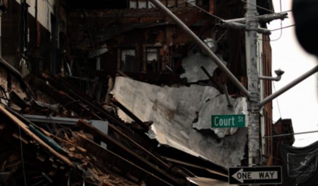Se derrumba edificio en Brooklyn