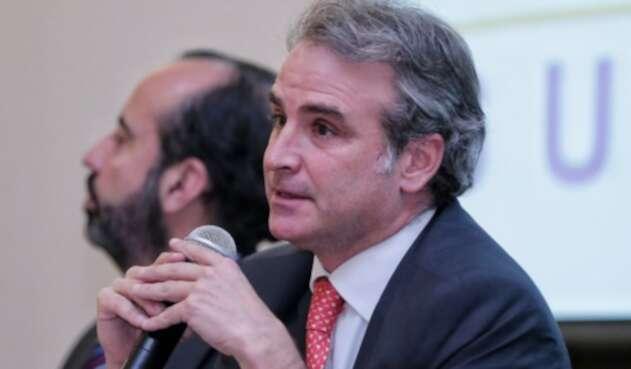 Pablo Felipe Robledo, SIC