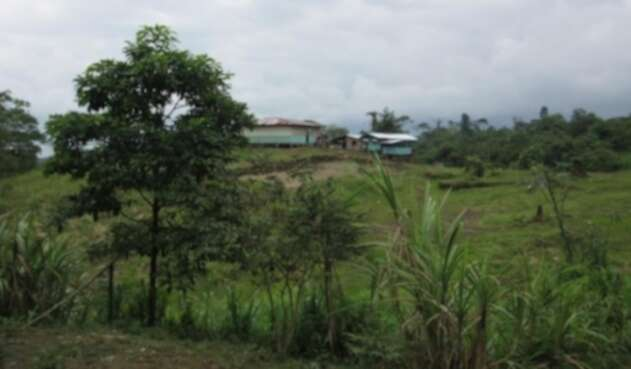 Cuasbil la Faldada, Comunidad donde ocurrió el ataque