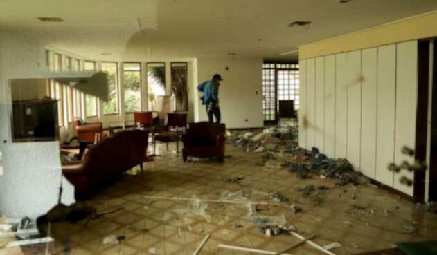 Consulado de Venezuela abandonado en Bogotá / vandalismo en consulado de Venezuela