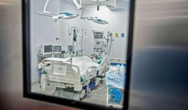 Pacientes contagiados de coronavirus en UCI