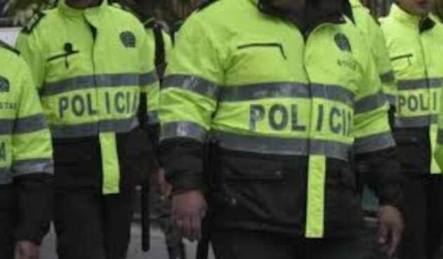 El uniformado fue capturado por sus compañeros de la estación de Policía.
