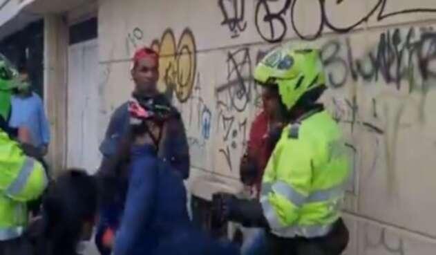 Venezonalo atrapa a ladrón colombiano