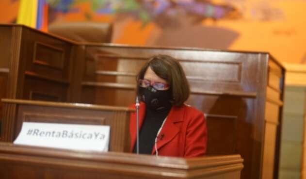 Aída Avella senadora de la Unión Patriótica en la réplica a la instalación del Congreso.