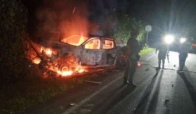 Camioneta de Policía incendiada en Tumaco