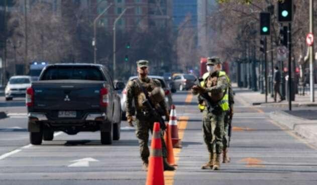 Militares prestan vigilancia en Chile en medio de pandemia