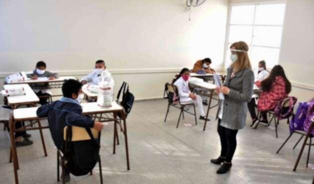 Regreso de niños a colegios / coronavirus en Argentina