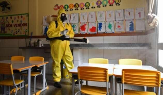 Regreso de niños a colegios / coronavirus en Brasil
