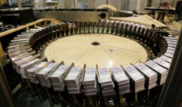 Dinero - Pesos colombianos - Subsidios