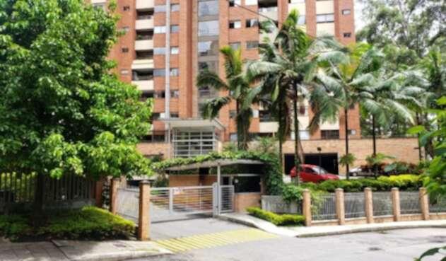 Presunto ladrón de apartamentos murió al caer del piso 26 en Medellín