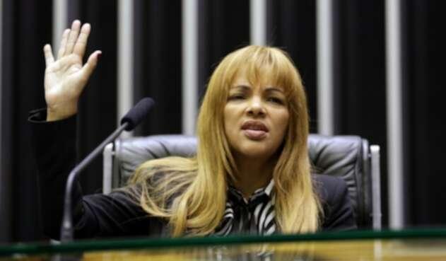 Flordelis dos Santos acusada del asesinato de su esposo