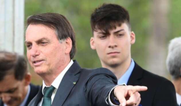 Jair Renan, el hijo menor de Bolsonaro, tiene coronavirus