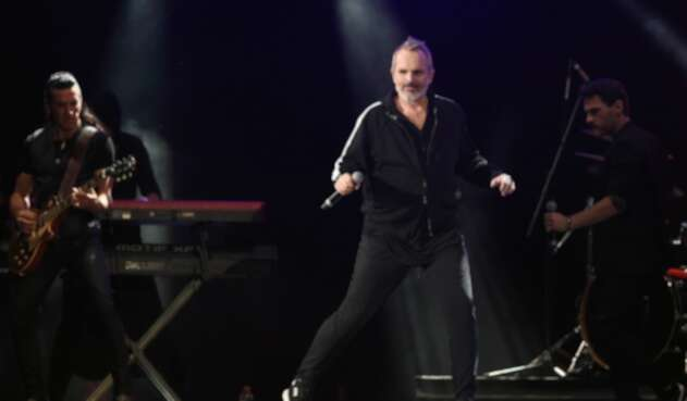 Miguel Bosé en concierto