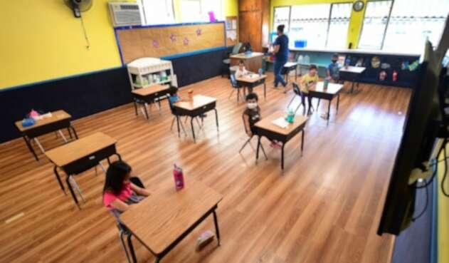 Regreso de niños a colegios en plena pandemia