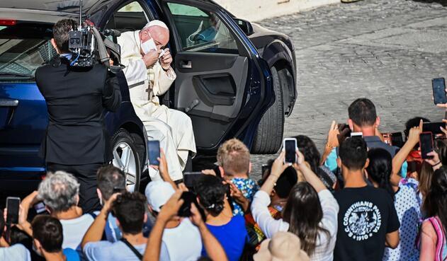 Papa Francisco con tapabocas