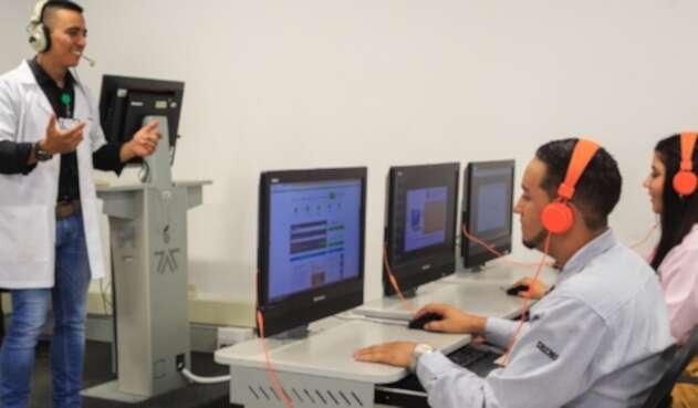 Una alianza entre el SENA y Oracle beneficiará a más de 40.000 aprendices en el país.
