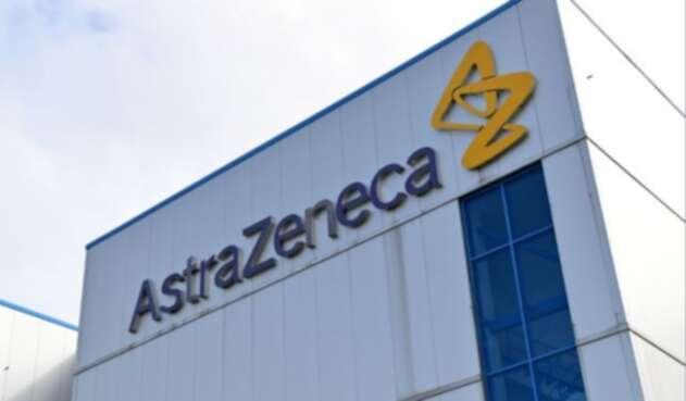 Farmacéutica AstraZeneca que desarrolla vacuna contra la COVID-19