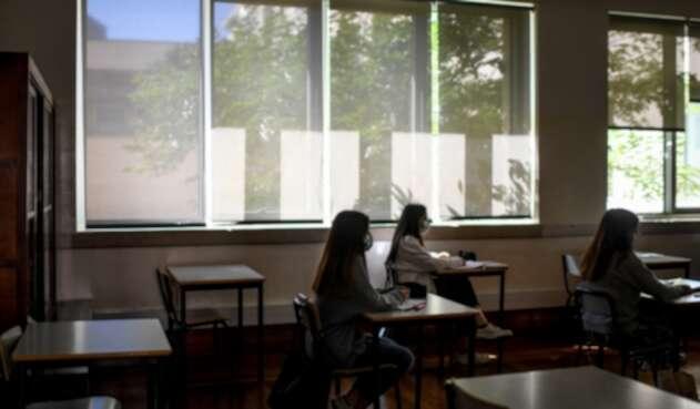 Regreso de niños a colegios en Portugal