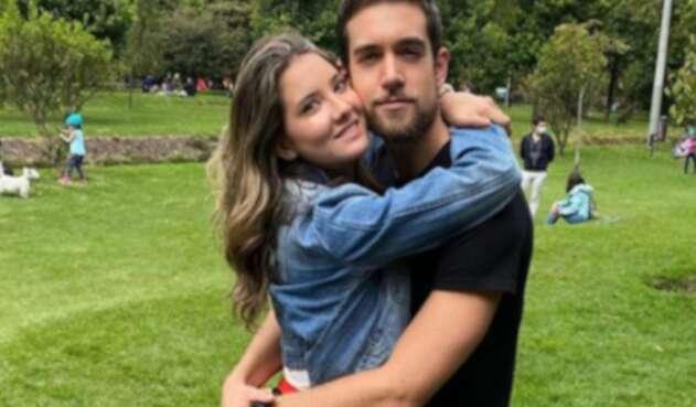 Daniella Álvarez y su novio
