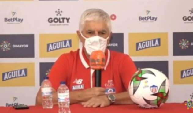 Julio Comesaña, técnico uruguayo