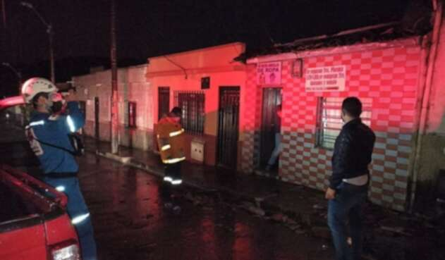 55 viviendas afectadas y cierres parciales de vías, dejó la emergencia.