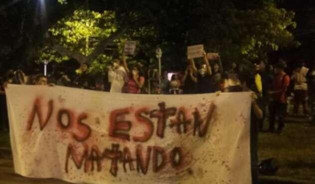 Protestaron en el Batallón Pichincha de Cali por asesinato de Juliana Giraldo