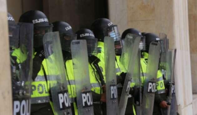Policías durante protestas del 21 de septiembre