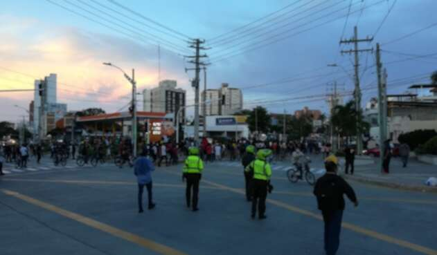Policía hace presencia en marchas de Barranquilla.
