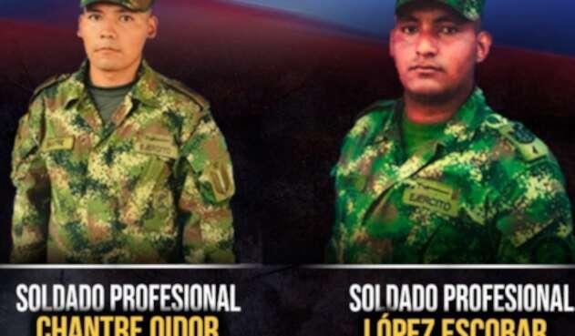 Los soldados profesionales murieron a consecuencia del explosivo.