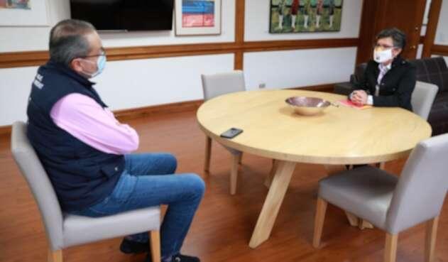 Procurador Fernando Carrillo y alcaldesa Claudia López